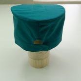 Головной убор для оперирующих бригад ТУ 858-5865-2005, вид сзади - застегнуто